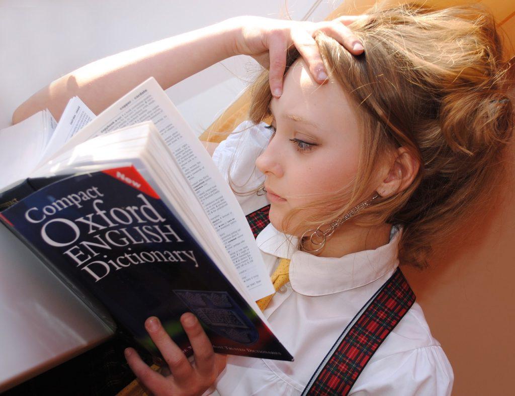 niños aprendan un idioma